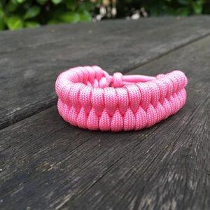 Single colour fishtail paracord bracelet